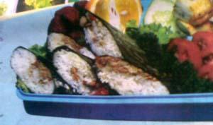 piring nasi putih 1 sendok makan margarin Daun pisang secukupnya